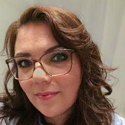 Julia Neumann, Head of Social Media bei den Urlaubspiraten